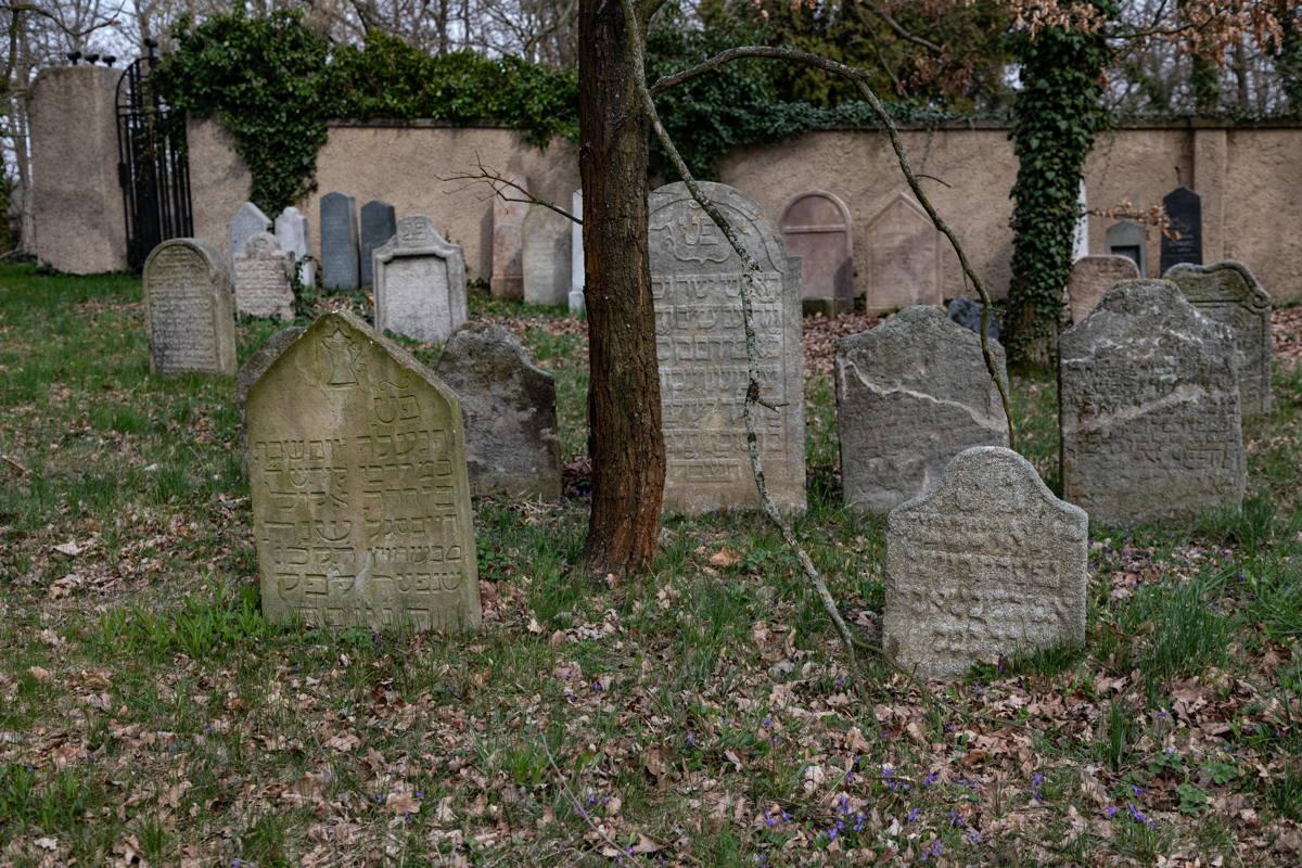 Oldest graves